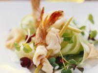 Garnelenschwänze mit Kresse-Gurken-Salat
