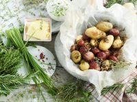 Gebackene Kartoffeln mit Dip