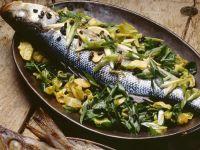 Gebackener Fisch und Gemüse