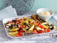 Gebackenes Gemüse und Kichererbsencreme