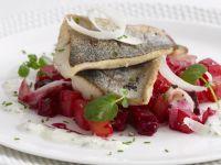 Gebratene Forelle mit Rote-Bete-Salat