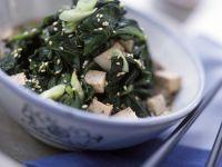 Gebratener Tofu mit Spinat