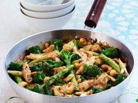 Gebratenes Hähnchen mit Brokkoli