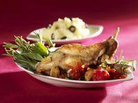 Gebratenes Kaninchen mit Oliven-Kartoffelbrei