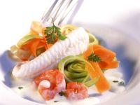Gedämpfte Seezunge mit Gemüse und Cremesauce