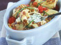 Gefüllte Pfannkuchen mit Ricotta, Mozzarella und Tomaten