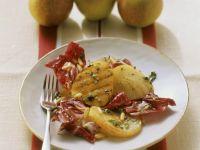 Gegrillte Birnen mit Radicchio-Salat und Pinienkernen