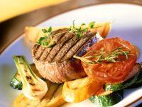 Gegrillte Filetsteaks mit Gemüse