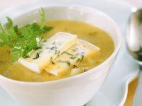 Gemüse-Birnensuppe mit Käse
