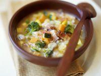 Gemüse-Reis-Suppe