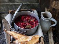 Gemüseeintopf mit Roter Bete und Entenfleisch