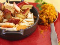 Gemüsepfanne mit Rhabarber und Reis