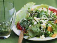 Gemüsesalat mit Bergkäse und Senfdressing