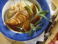Geschmorte Pute mit Apfel und Salbei