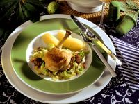 Geschmortes Hähnchen, Speck-Wirsing mit Kastanien und Kartoffeln
