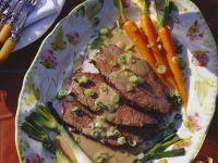 Geschmortes Rindfleisch mit Gemüse