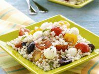 Getreidesalat mit Tomaten und Mozzarella