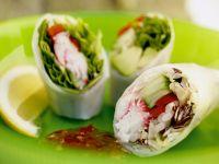 Glücksrollen mit Gemüse und Meeresfrüchten