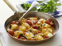 Gnocchi mit Tomaten, Basilikum und Majoran