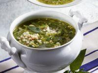 Graupensuppe mit grünen Bohnen