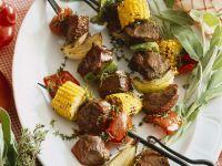 Grillspieße mit Gemüse und Rindfleisch