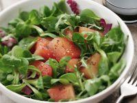 Grüner Salat mit Melone