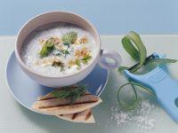Gurkenkaltschale mit Joghurt und Minze