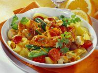 Hähnchen in Honigmarinade mit Nudeln und Gemüse