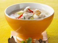 Hähnchen-Kokos-Suppe