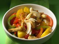 Hähnchen mit Paprika und Ananas aus dem Wok