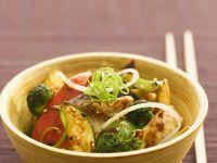 Hähnchenbrust mit Gemüse aus dem Wok
