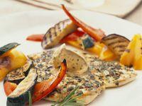 Hähnchenbrustfilet mit Kräuterbutter und gegrilltem Gemüse