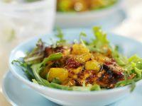 Hähnchenfilet mit Mango und Blattsalat