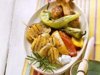 Hähnchenkeulen mit Gemüse vom Grill