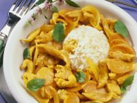 Hähnchenragout mit Curry und Aprikosen