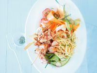 Hähnchenspiesse mit Gemüse-Pasta-Salat
