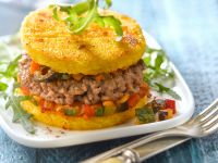 Hamburger mit Polenta-Patties