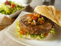 Hamburger mit Salsa