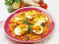 Hartgekochte Eier mit scharfer Tomatensauce