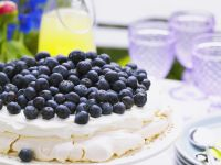 Heidelbeer-Baiser-Torte