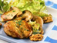 Herbstlicher Salat mit Wachtel