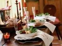 Herbstlicher Salat mit Weinkäse