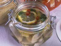 Heringe in Chili und Zitrone
