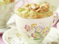 Herzhaftes Soufflé mit Brokkoli