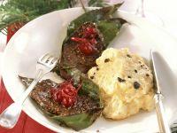 Hirschmedaillons mit Cranberries und Trüffel-Kartoffelpüree