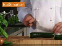 Wie Sie eine Zucchini blitzschnell in Würfel schneiden
