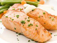 Fisch, Obst und Gemüse können das Hirn schützen
