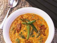 Indisches Curry mit gelben Linsen