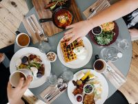 Intuitiv essen: gesellige Tafel