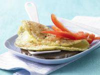 Käse-Omelett auf Vollkornbrot